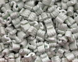 Packing foam peanuts