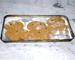 How can I reuse or recycle old baking trays (sheet pans)?